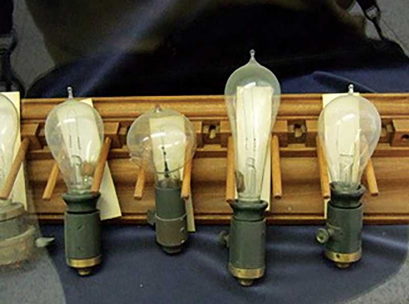 Edison light bulbs at the David Rittenhouse Laboratory, University of Pennsylvania. All photos by Paul Halpern.