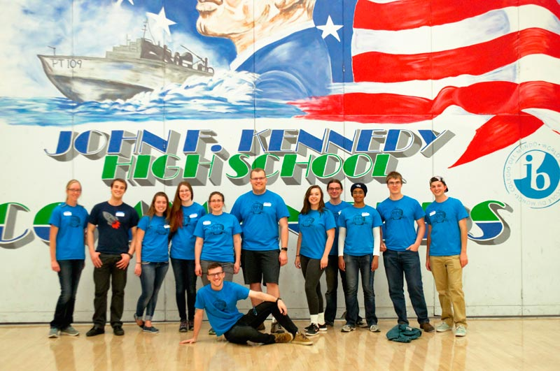 The entire Colorado School of Mines volunteer group. Photo by Natalie Dibling.