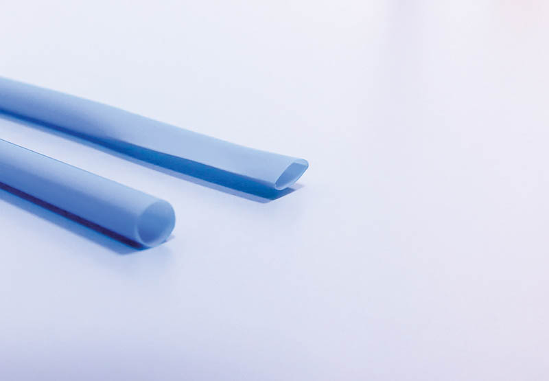 Figure 1 - The original straw (left) and the flattened straw (right).